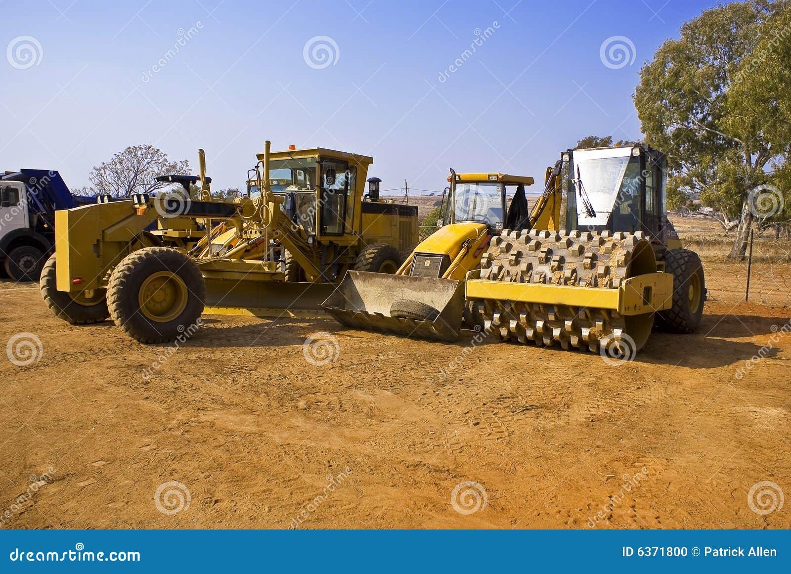 Heavy Duty Construction : Heavy duty construction equipment stock photo image