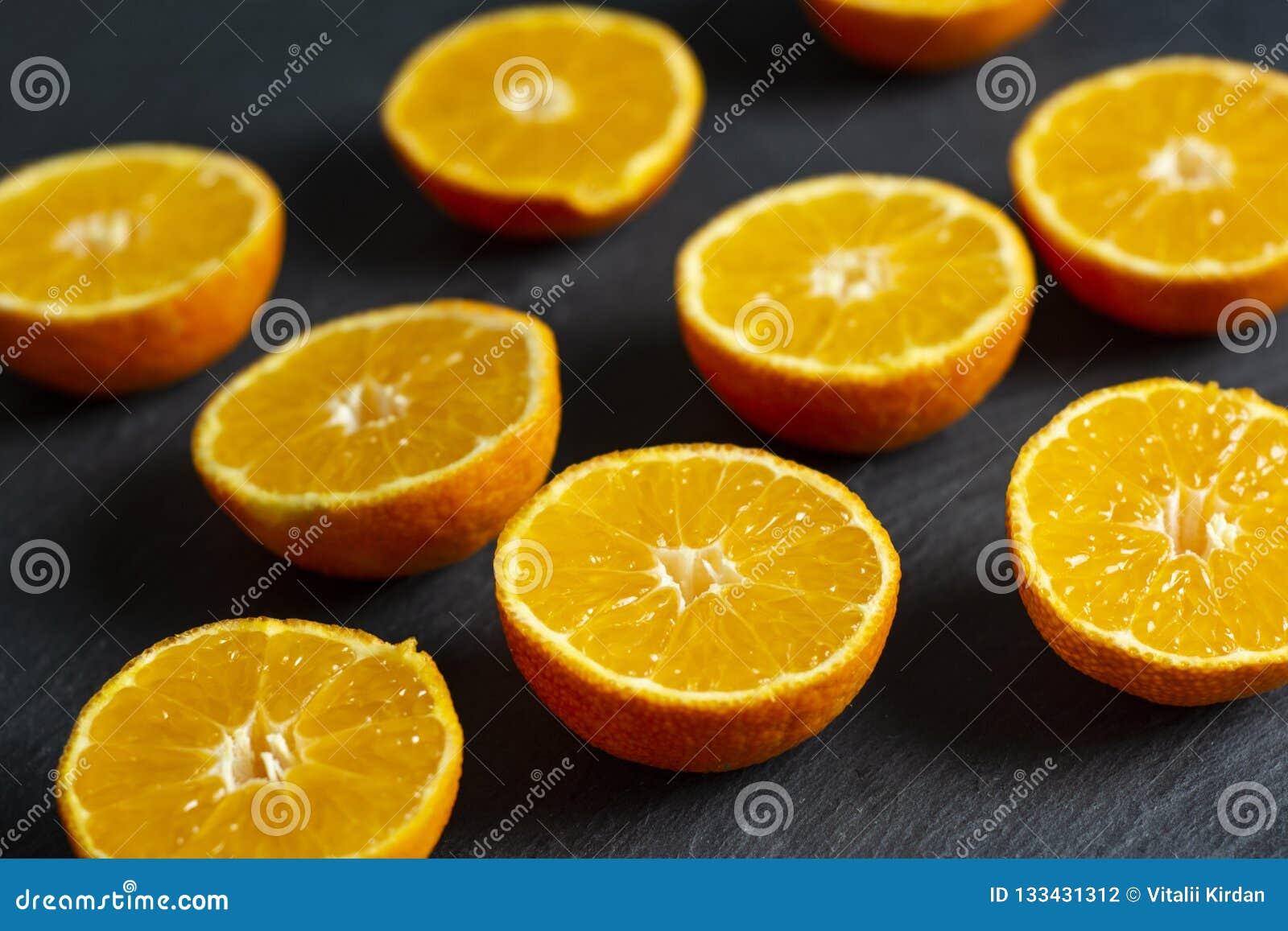 Heel wat gesneden mandarins