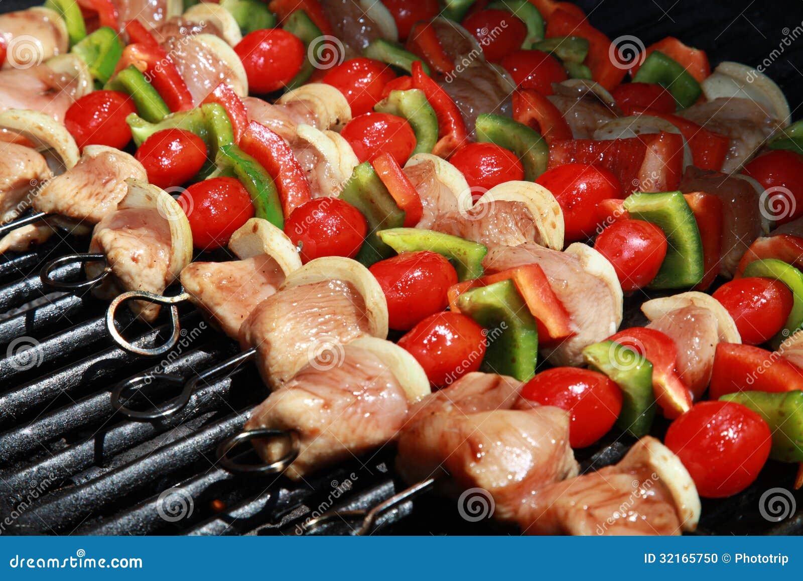 Heerlijk! Een Kleurrijke Rij van Kebabs