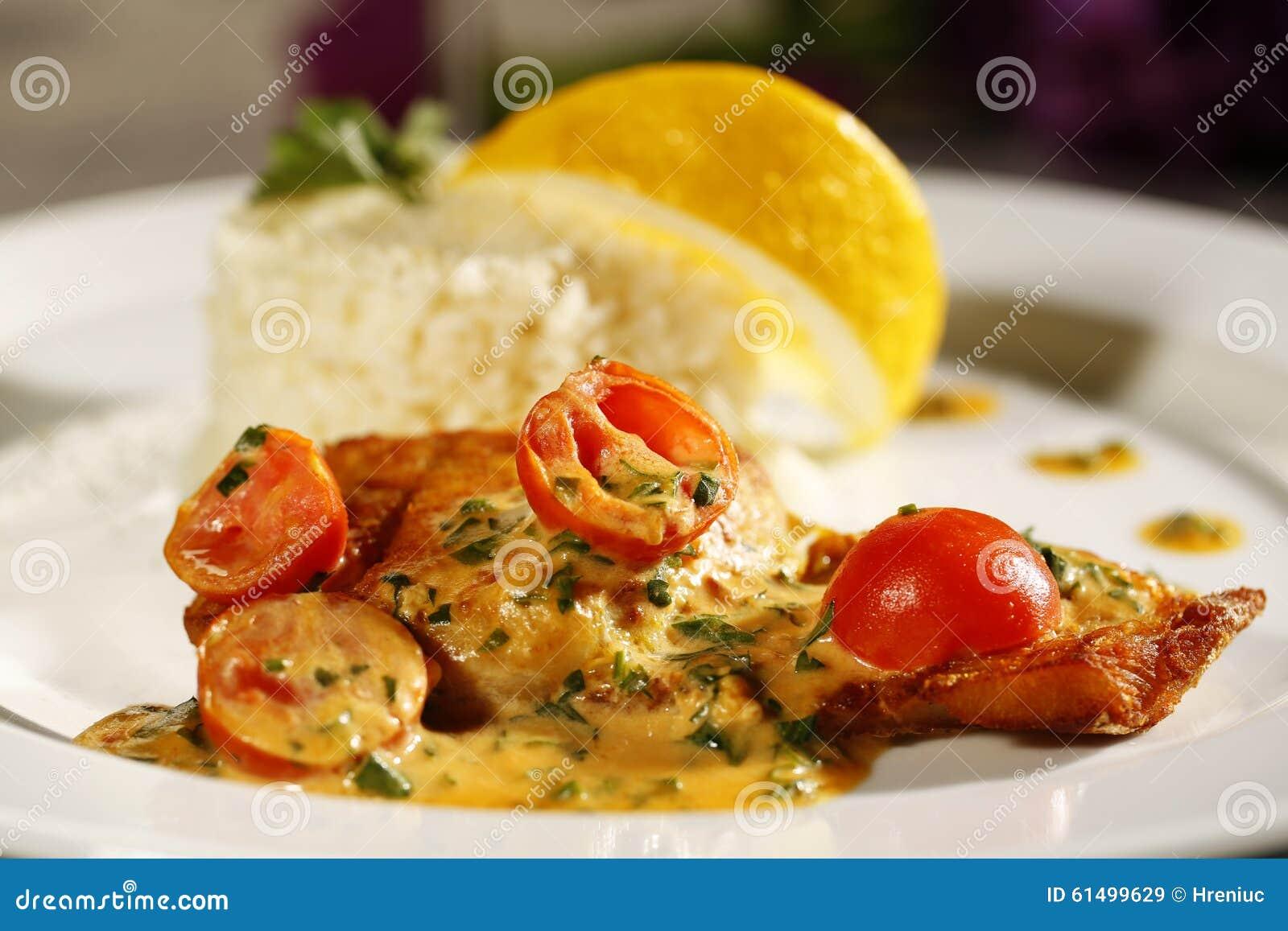 Heerlijk gastronomisch voedsel bij restaurant