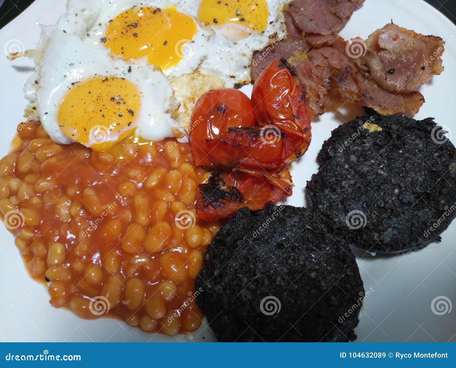 Download Heet Vers Gekookt Volledig Engels Ontbijt Stock Afbeelding - Afbeelding bestaande uit ontbijt, gekookt: 104632089