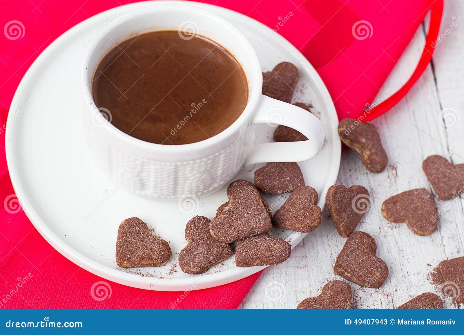 Download Heiße Kakao- Und Plätzchenherzen Selektiver Fokus Stockbild - Bild von feier, schokolade: 49407943