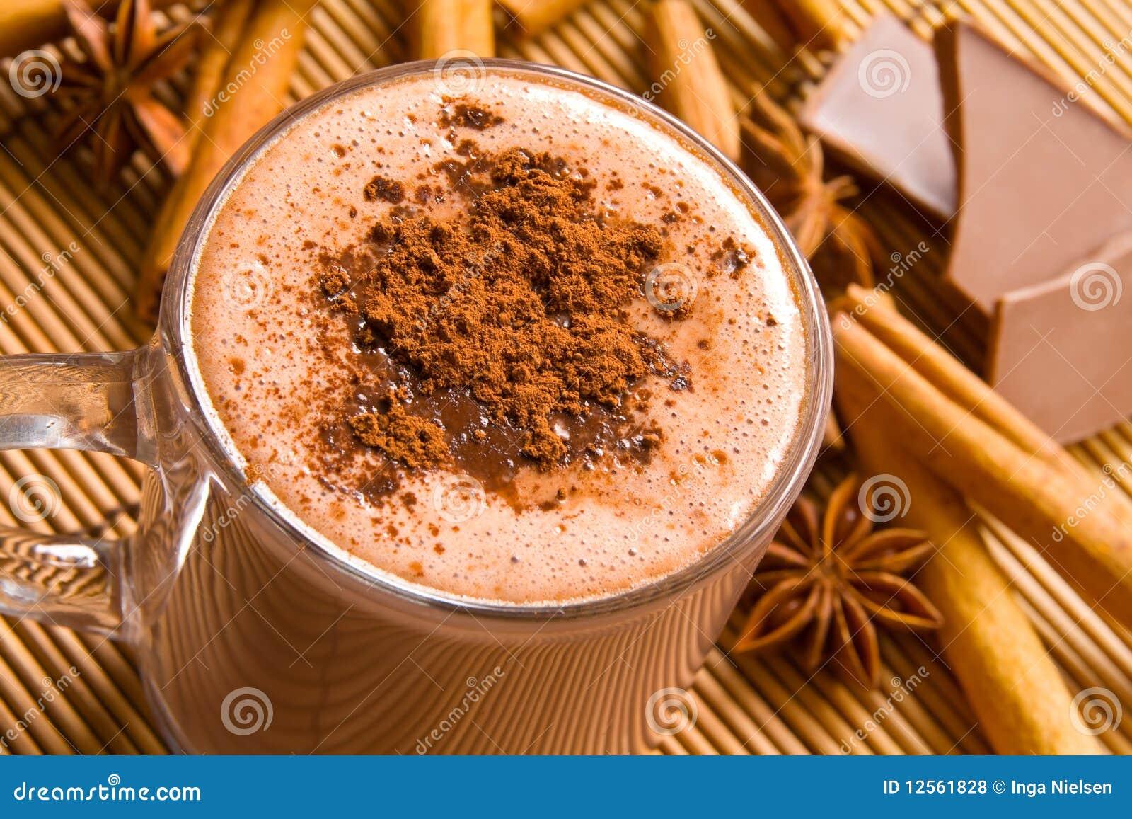 Heiße Schokolade und Gewürze