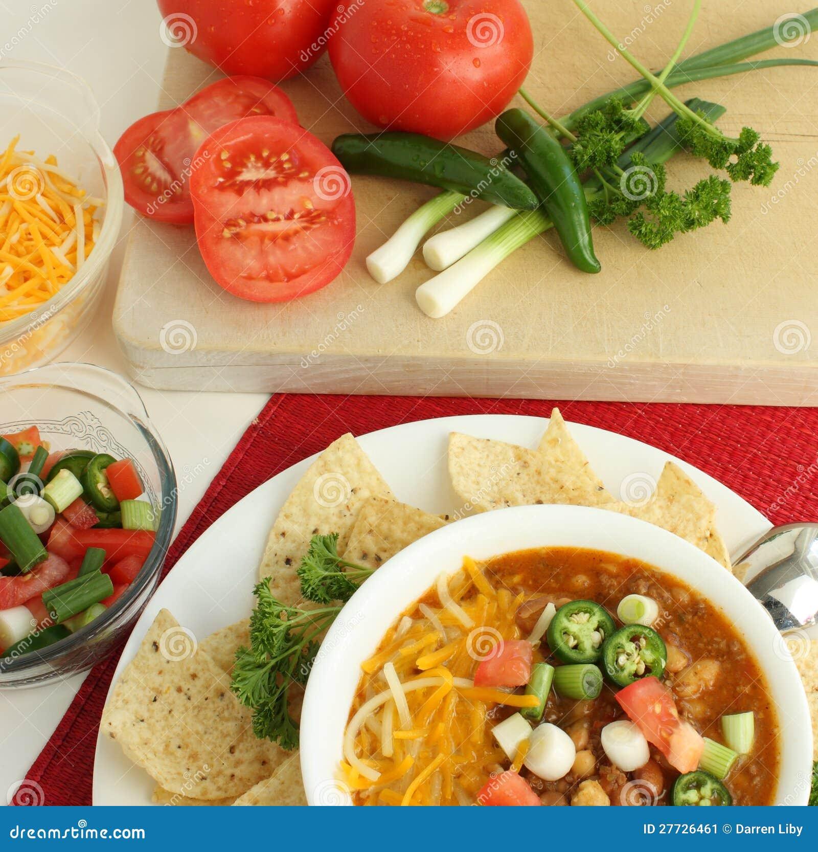 Heißer würziger Paprika mit frischen Veggies