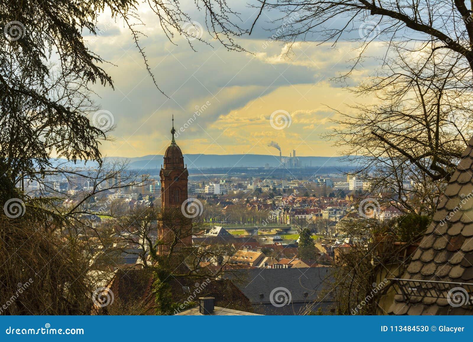 Heidelberg, wspaniały pejzaż miejski