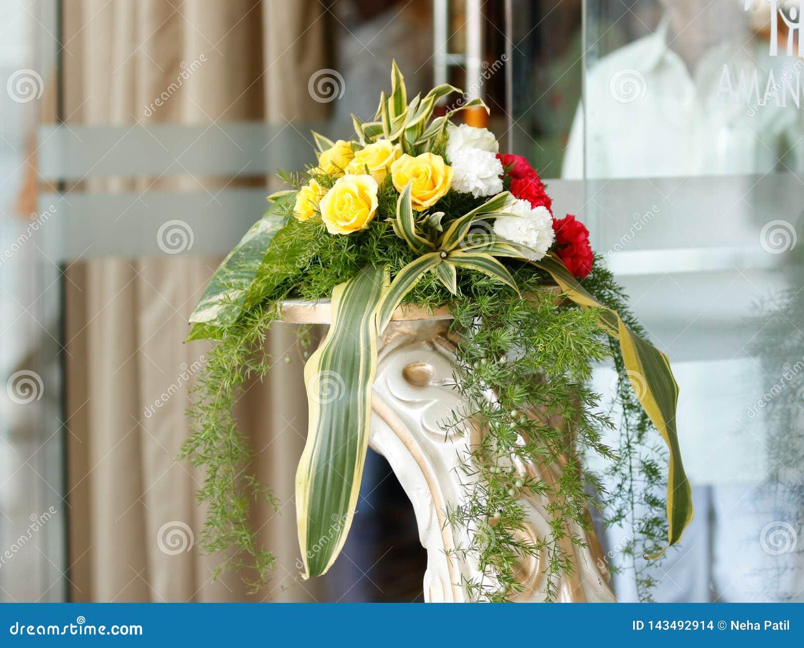 Heiratsstadium von Blumen entwerfen
