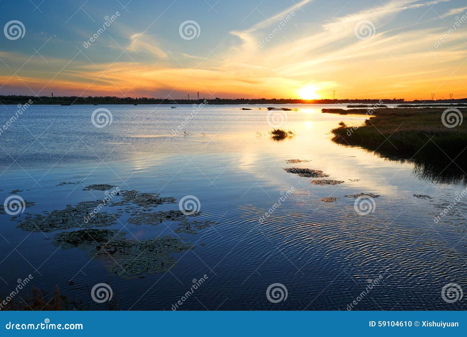 Heiyu湖日落