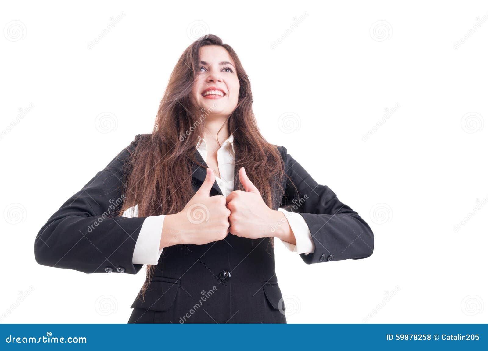 Held van bedrijfsvrouw wordt geschoten die dubbel zoals gebaar tonen dat