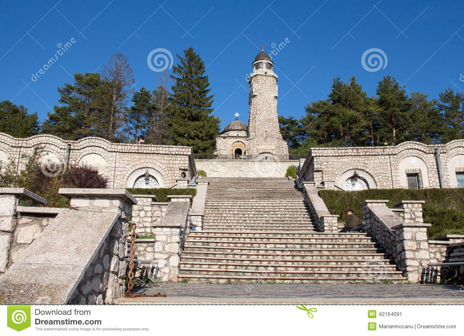Heldenmausoleum in Valea merrie-Pravat