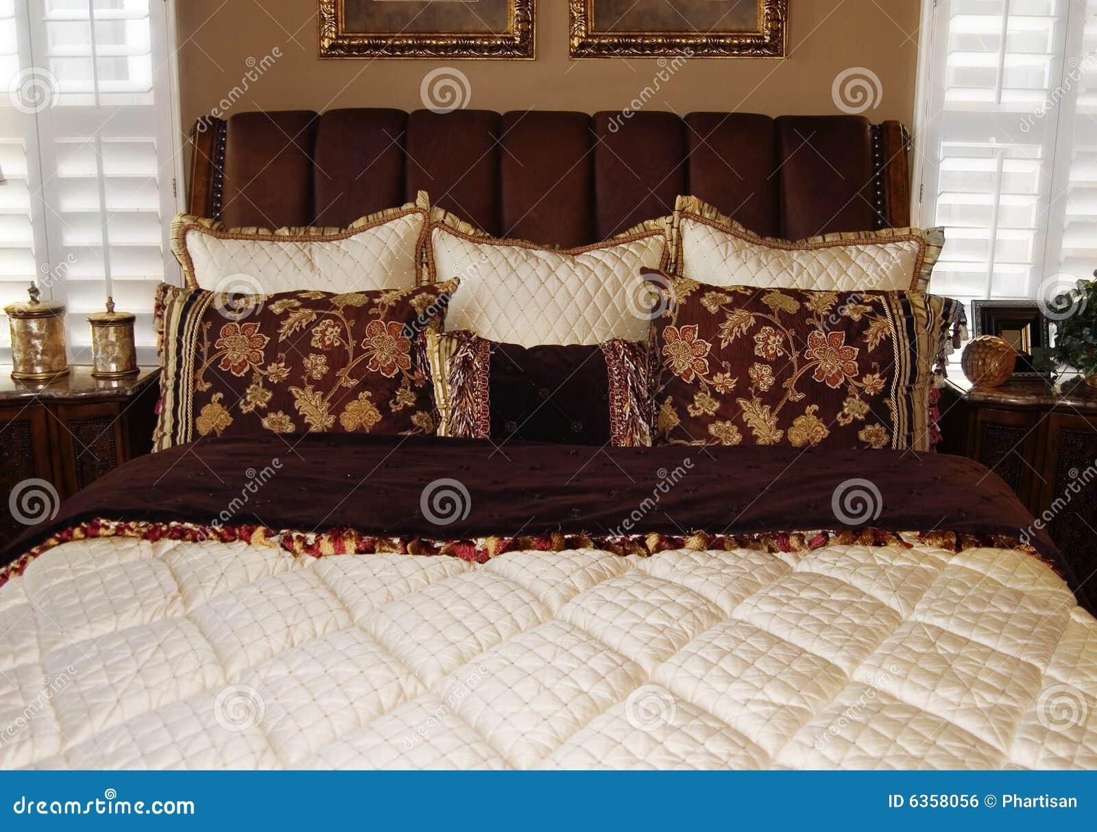 Helder modern slaapkamer binnenlands ontwerp royalty vrije stock ...