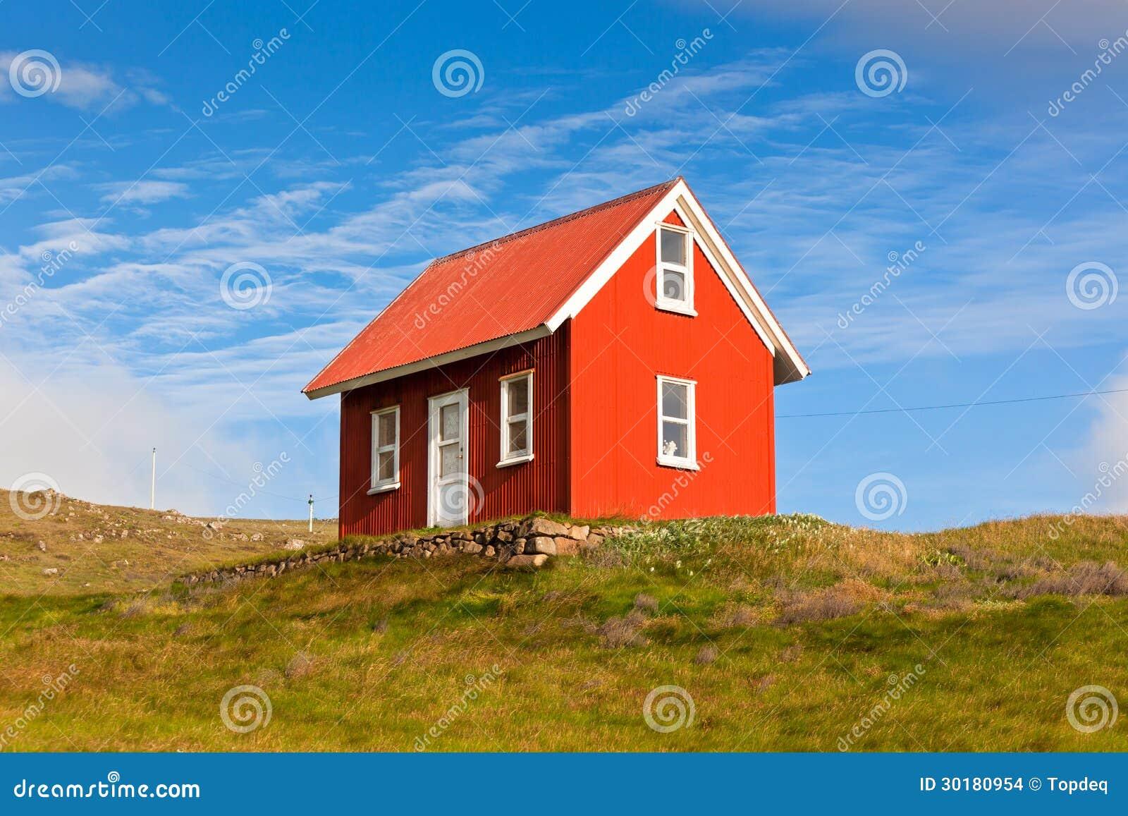 opruimen woning helder rood het opruimen huis in ijsland stock foto