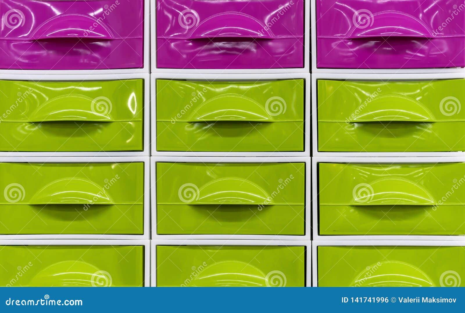 Heldere plastic dozen voor het opslaan van huishoudenpunten