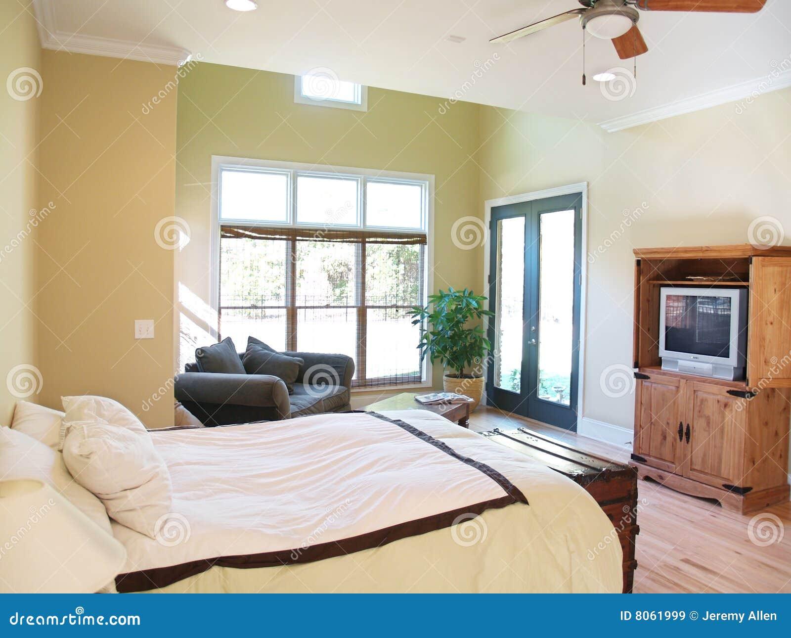 Slaapkamer Televisie : Bright Rustic Bedroom