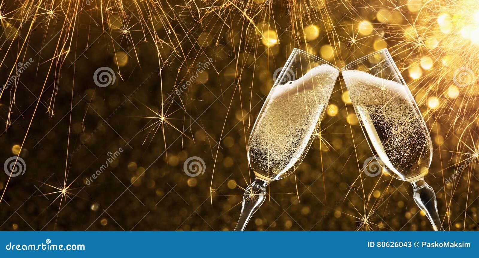 Helgdagsafton för ` s för nytt år med champagne