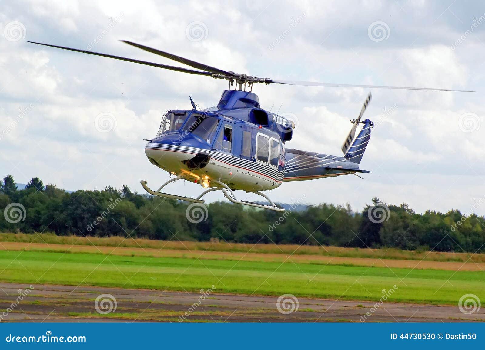 Helicóptero policial en vuelo