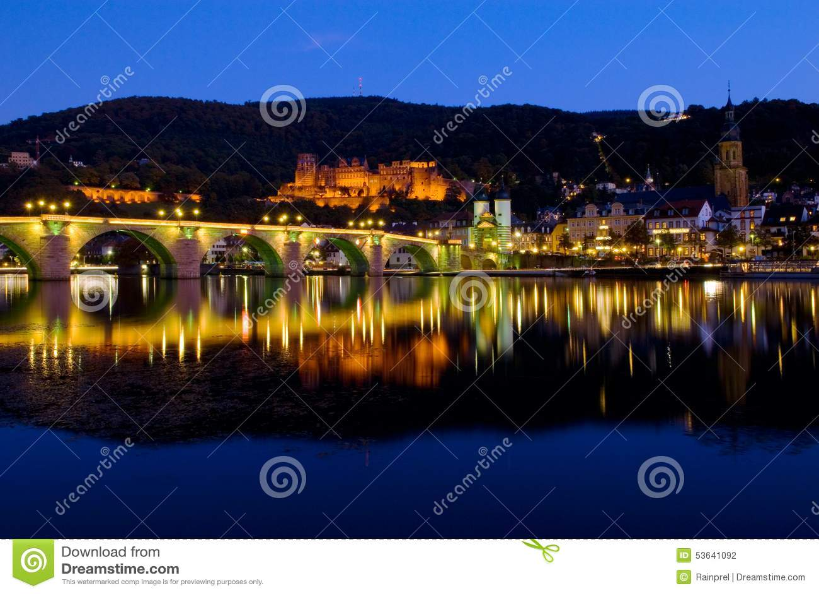 Helidelberg城堡和卡尔Theodor桥梁在海得尔堡,德国