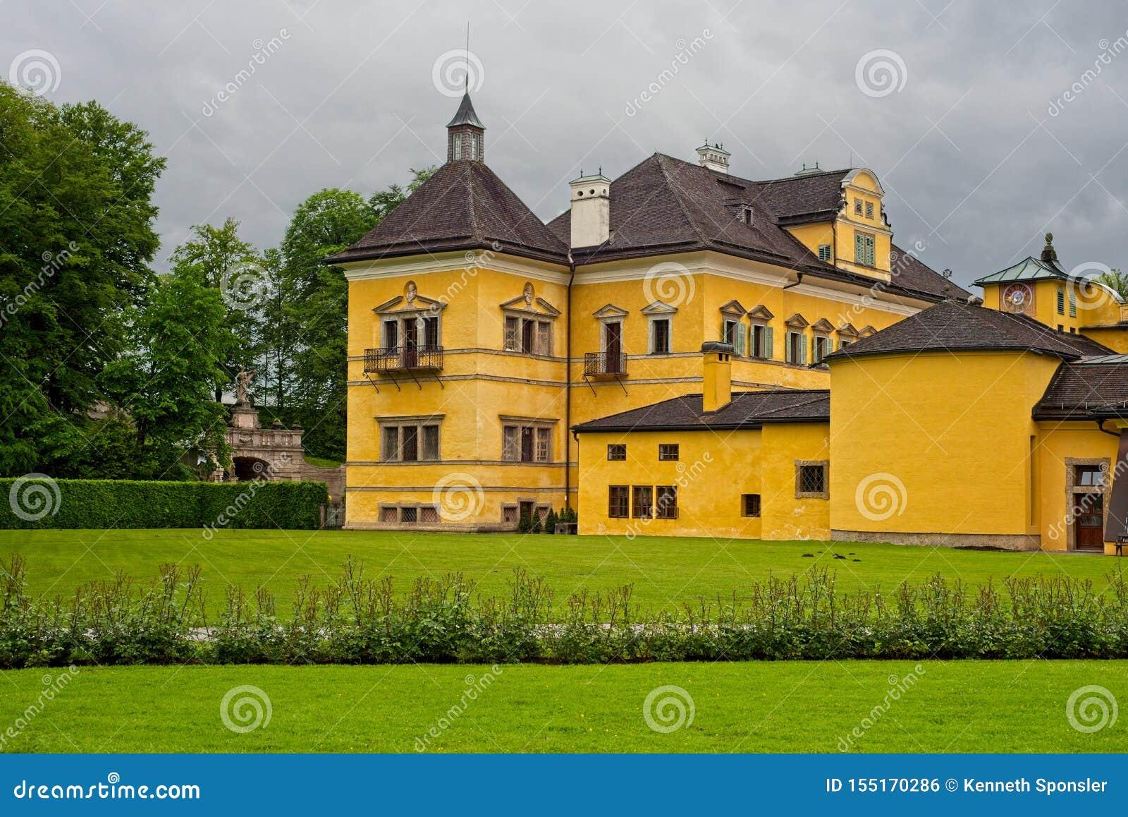 Hellbrunn slott och att parkera jordning