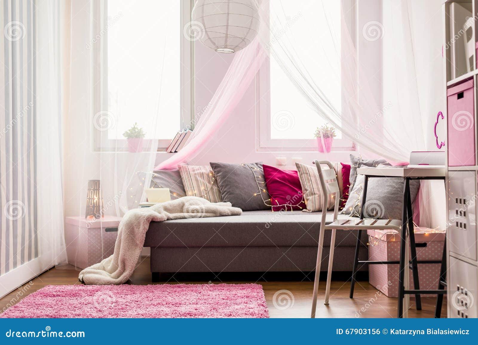 Stilvolle Schlafzimmer | Helles Stilvolles Schlafzimmer Stockfoto Bild Von Kind Fussboden