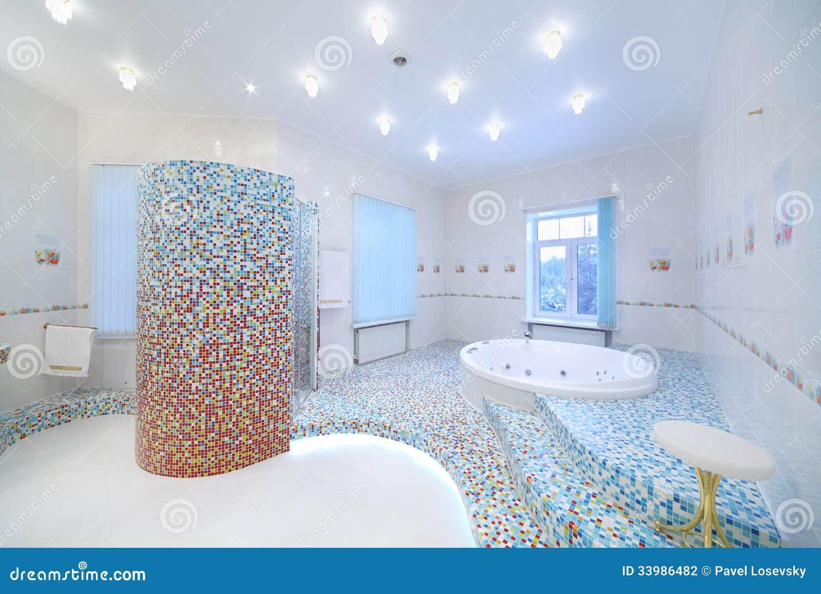 Badezimmer Jacuzzi ...