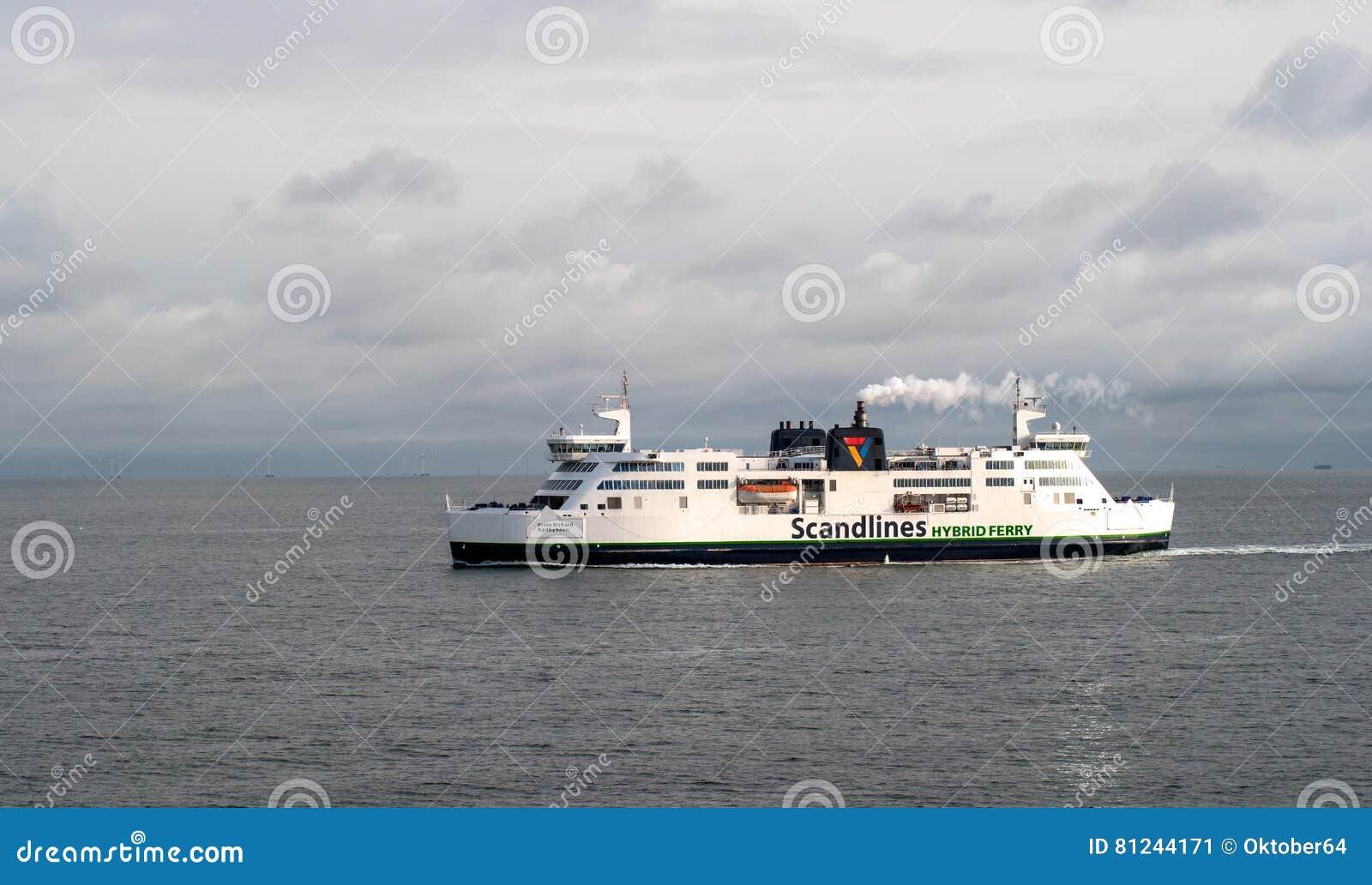 Helsingbog, Швеция - 9-ое октября 2016: Пассажирский паром на линии Хельсингборге - Helsingor, Дании