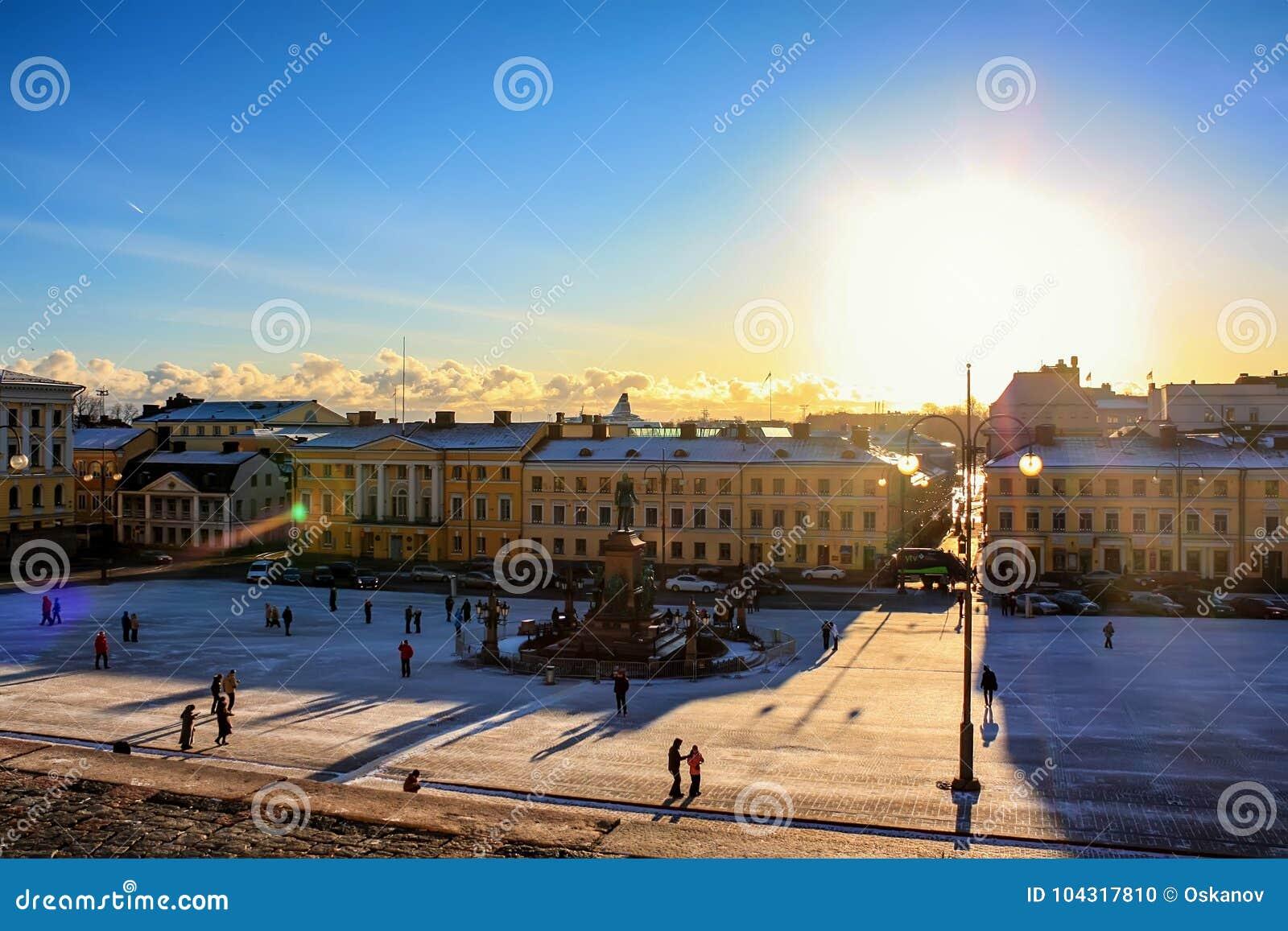 HELSINKI, FINLANDIA CIRCA ENERO DE 2009: Cuadrado del senado