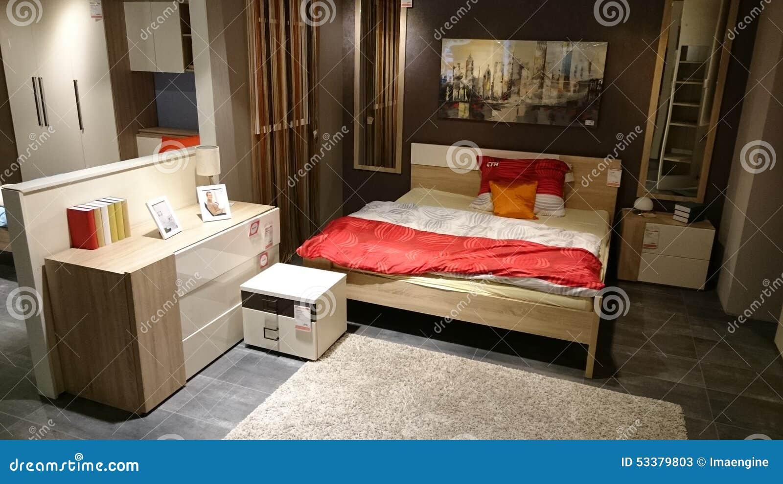 Hem- Design: Möblerat Sovrum Redaktionell Arkivfoto - Bild: 53379803