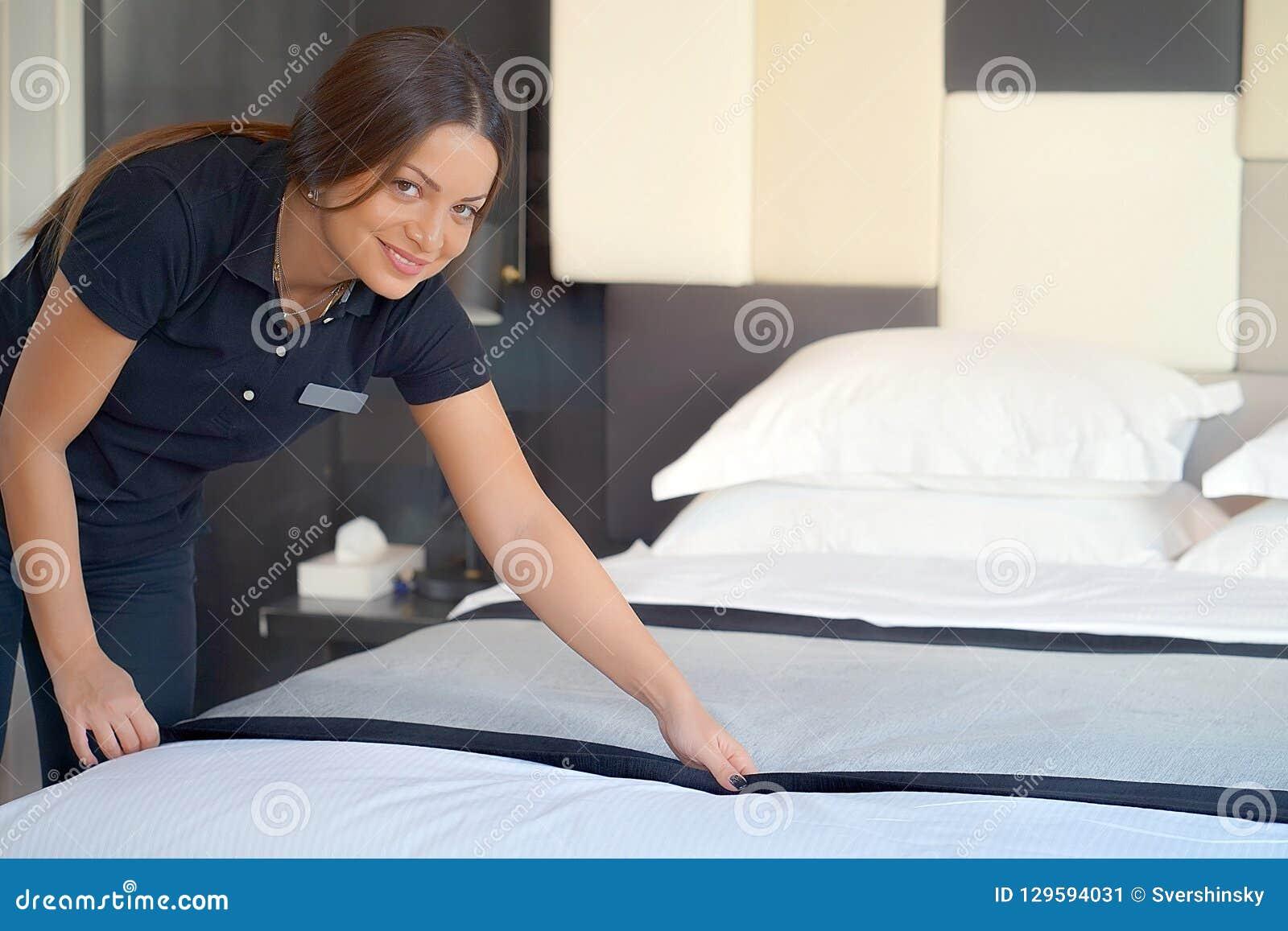 Hembiträde Making Bed