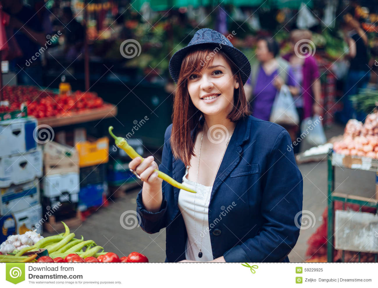 Download Hembra en Market Place imagen de archivo. Imagen de agricultura - 59229925