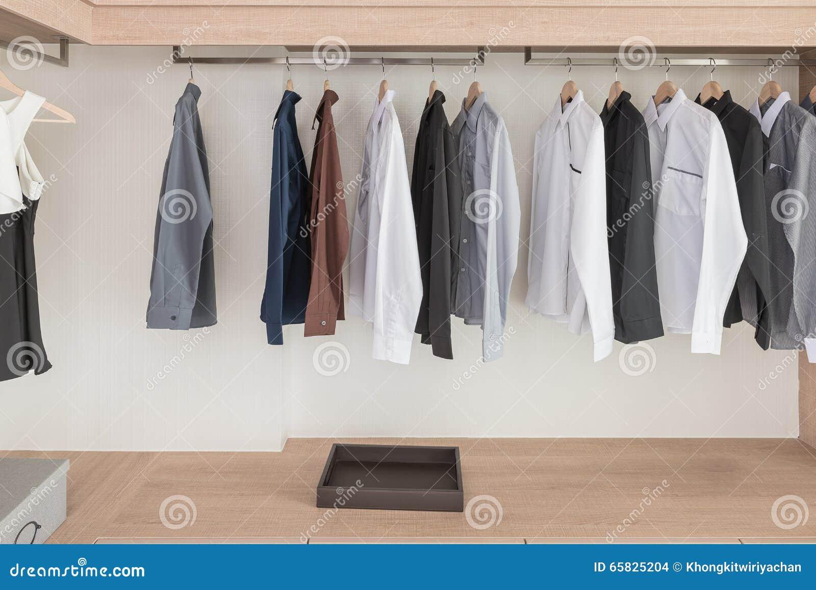 garderobe zum h ngen haloring. Black Bedroom Furniture Sets. Home Design Ideas