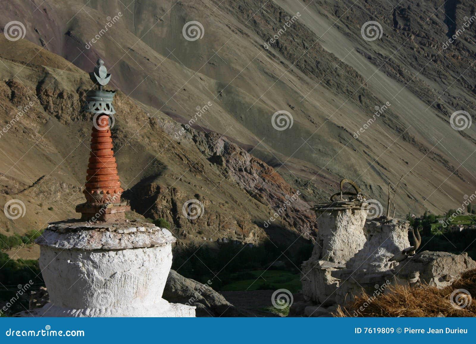 Hemis shukpachan stupa