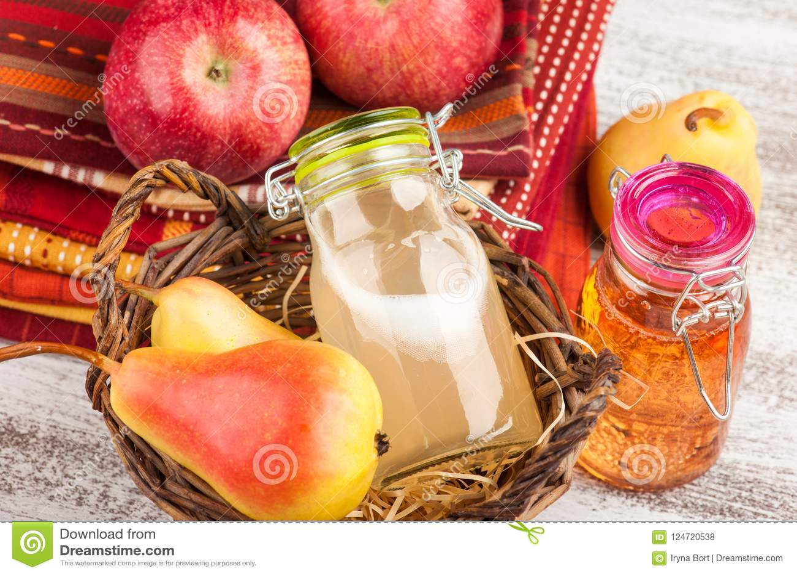 Hemlagad äpplepäronäppeljuice