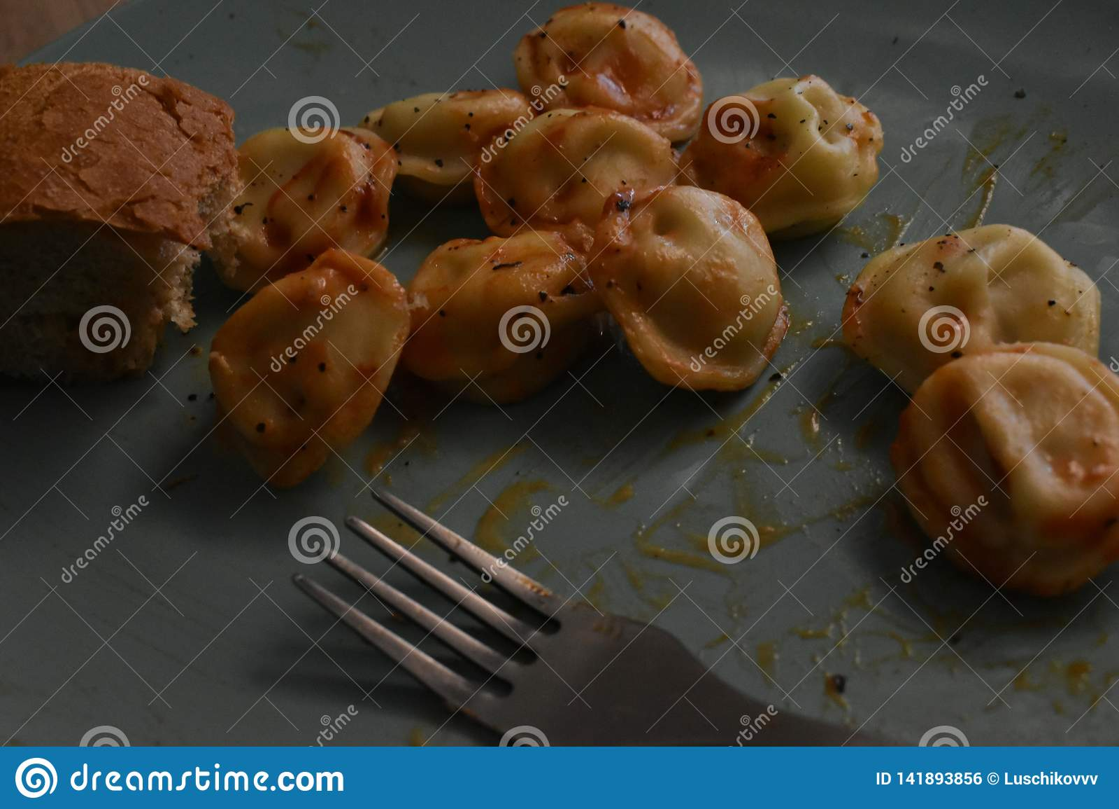 Hemlagad lunch: stekte potatisar, klimpar