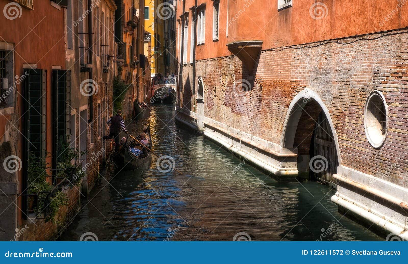 Hemliga hörn av kanalerna av Venedig