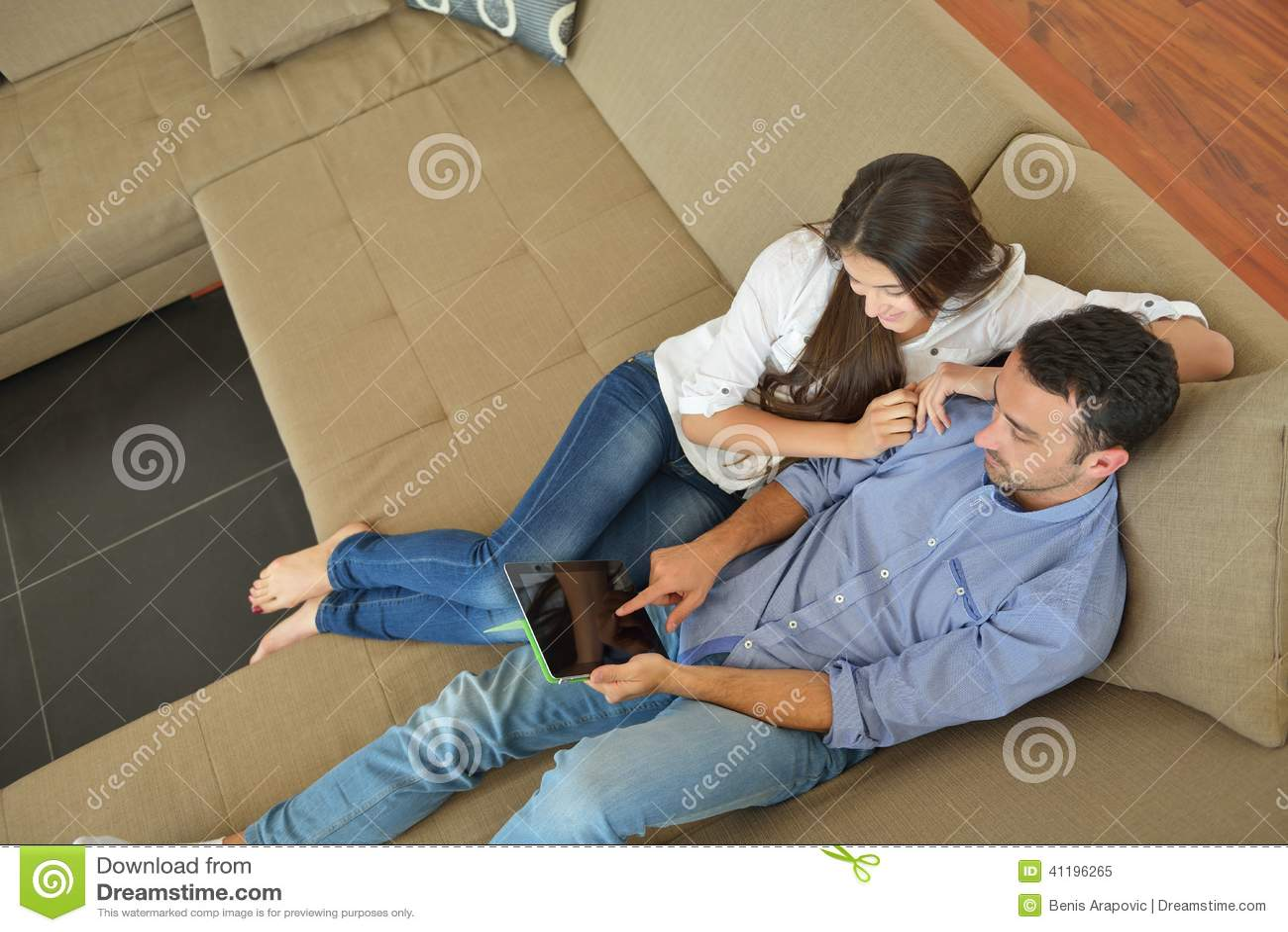 Hemmastadd användande minnestavladator för par