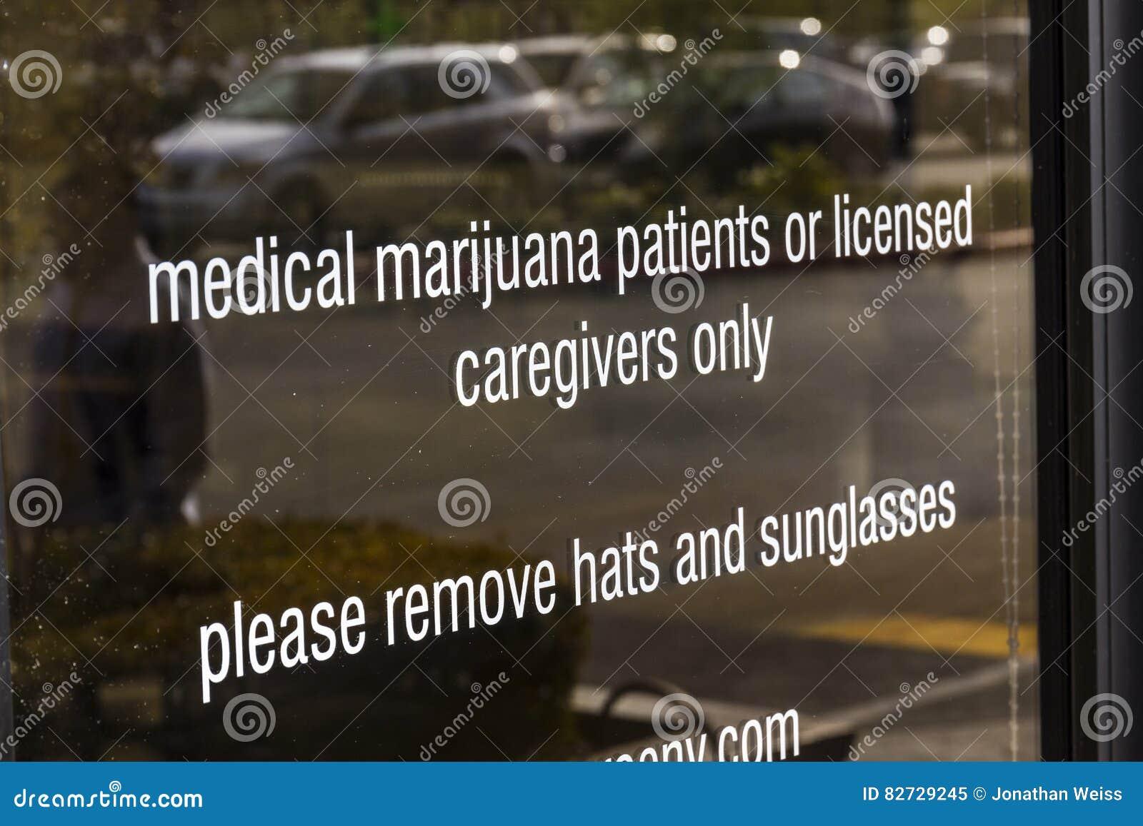 Henderson - το Δεκέμβριο του 2016 Circa: Το ιατρικό ιατρείο μαριχουάνα του Λας Βέγκας πηγής Το 2017, το δοχείο θα είναι νομικό στ