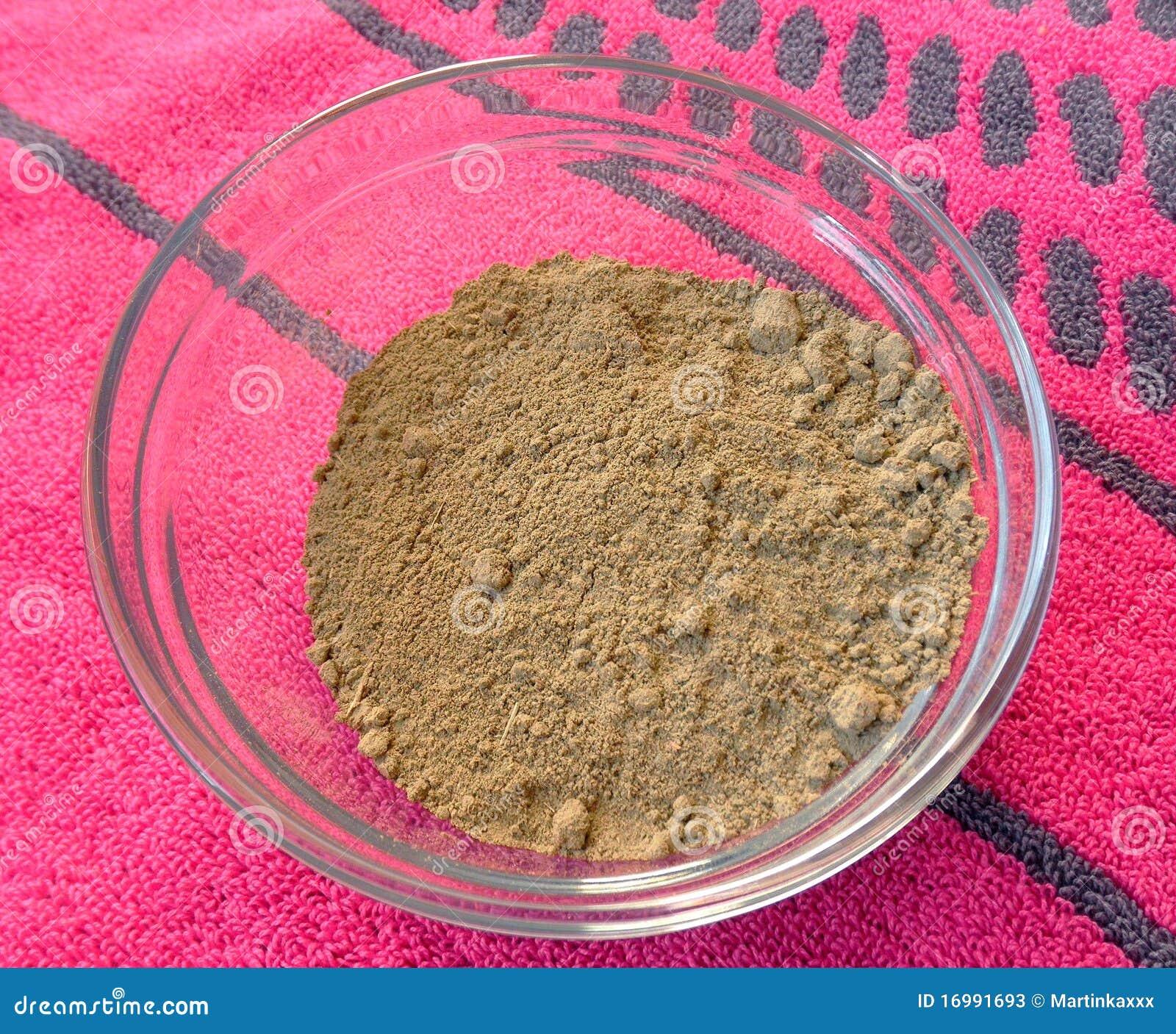 Henna σκόνη στο κύπελλο