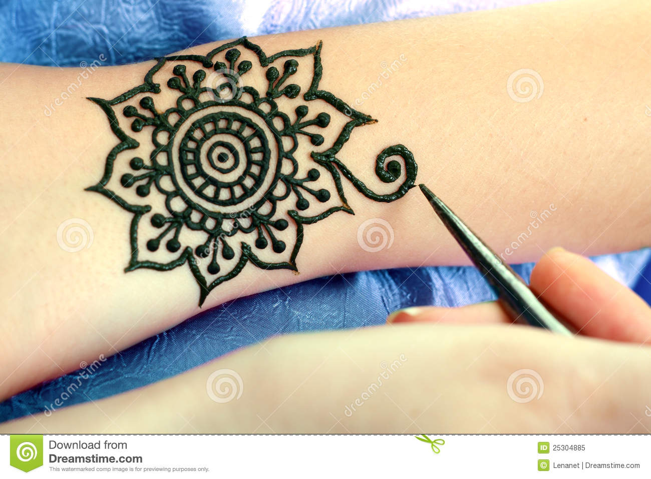 Henna Being Applied To Hand Stock Image Image Of Asian