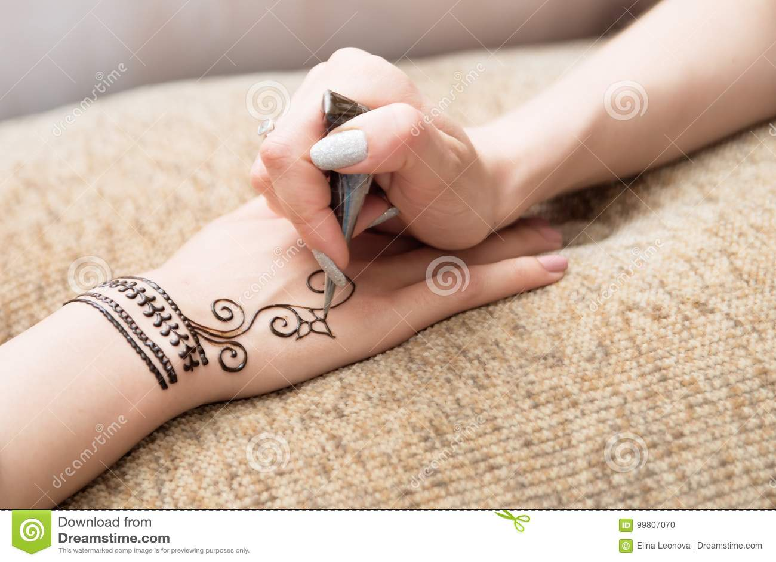 Henna Mehendi A Mano Dibujo Ilustraciones Asiático Foto De