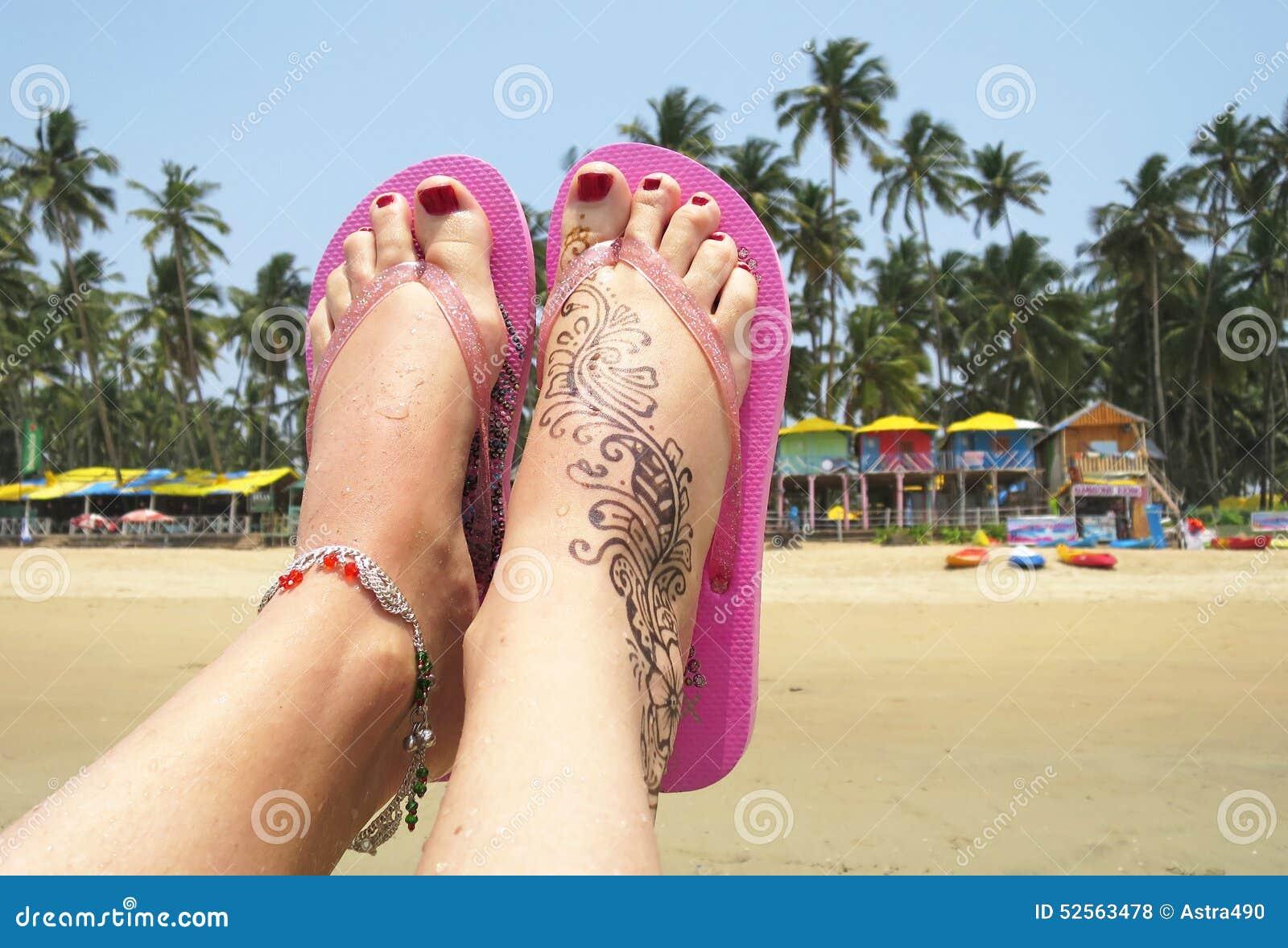 Henna Tatuaż Na Stopie Zdjęcie Stock Obraz Złożonej Z Stopa