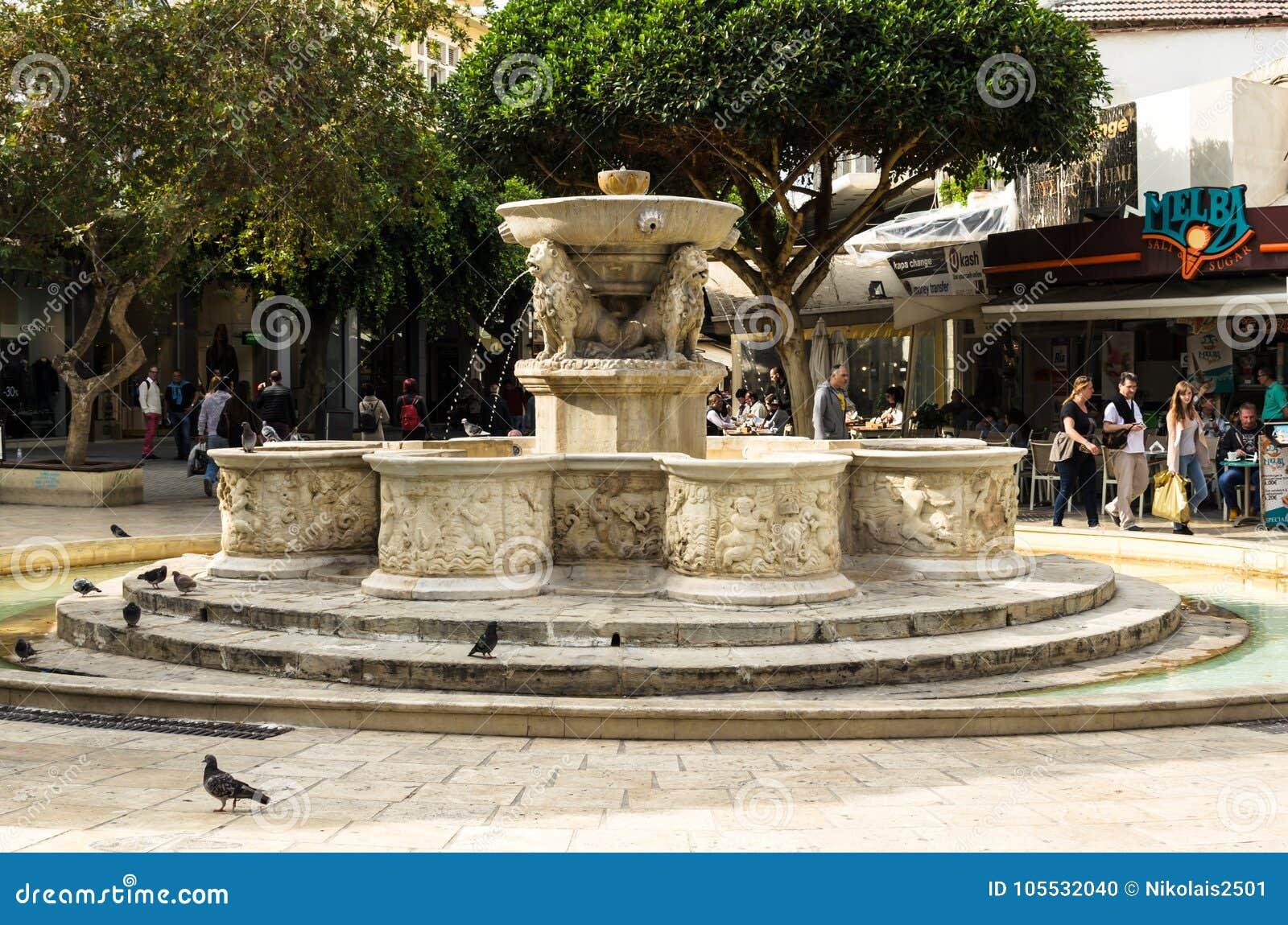 HERAKLION GREKLAND - November, 2017: Lion Fountain eller också Morozini springbrunn