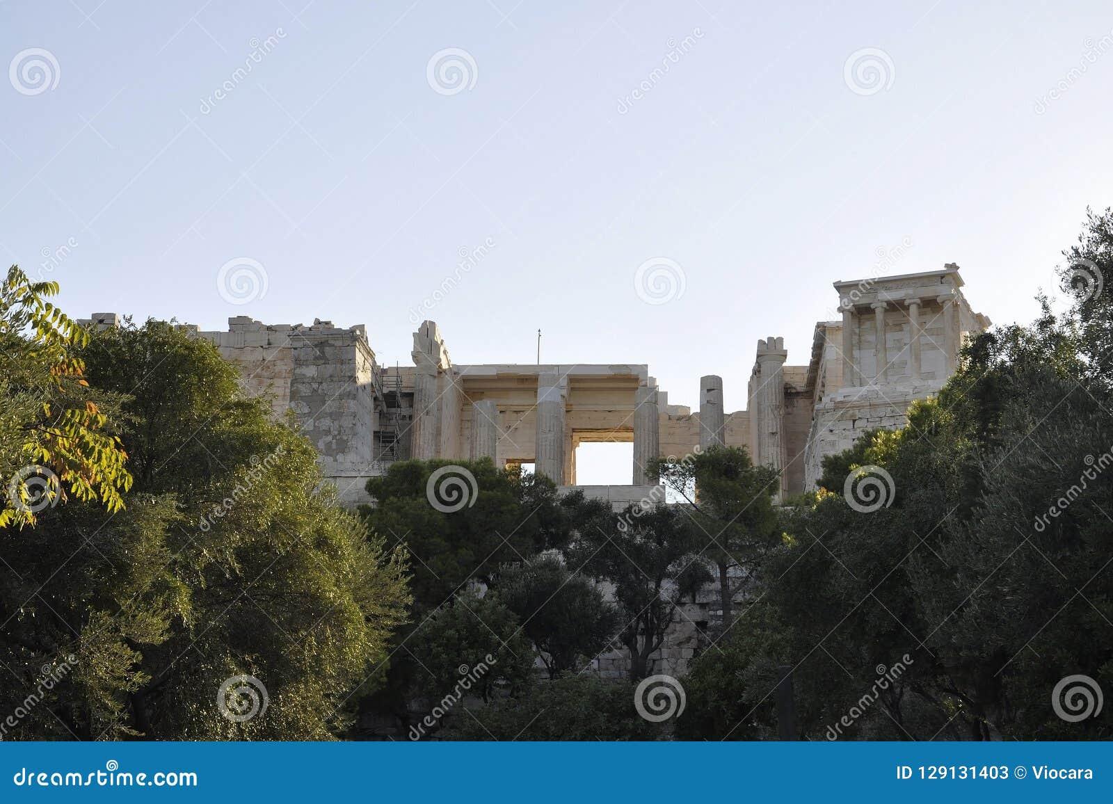 Herança arqueológico da acrópole de Atenas em Grécia