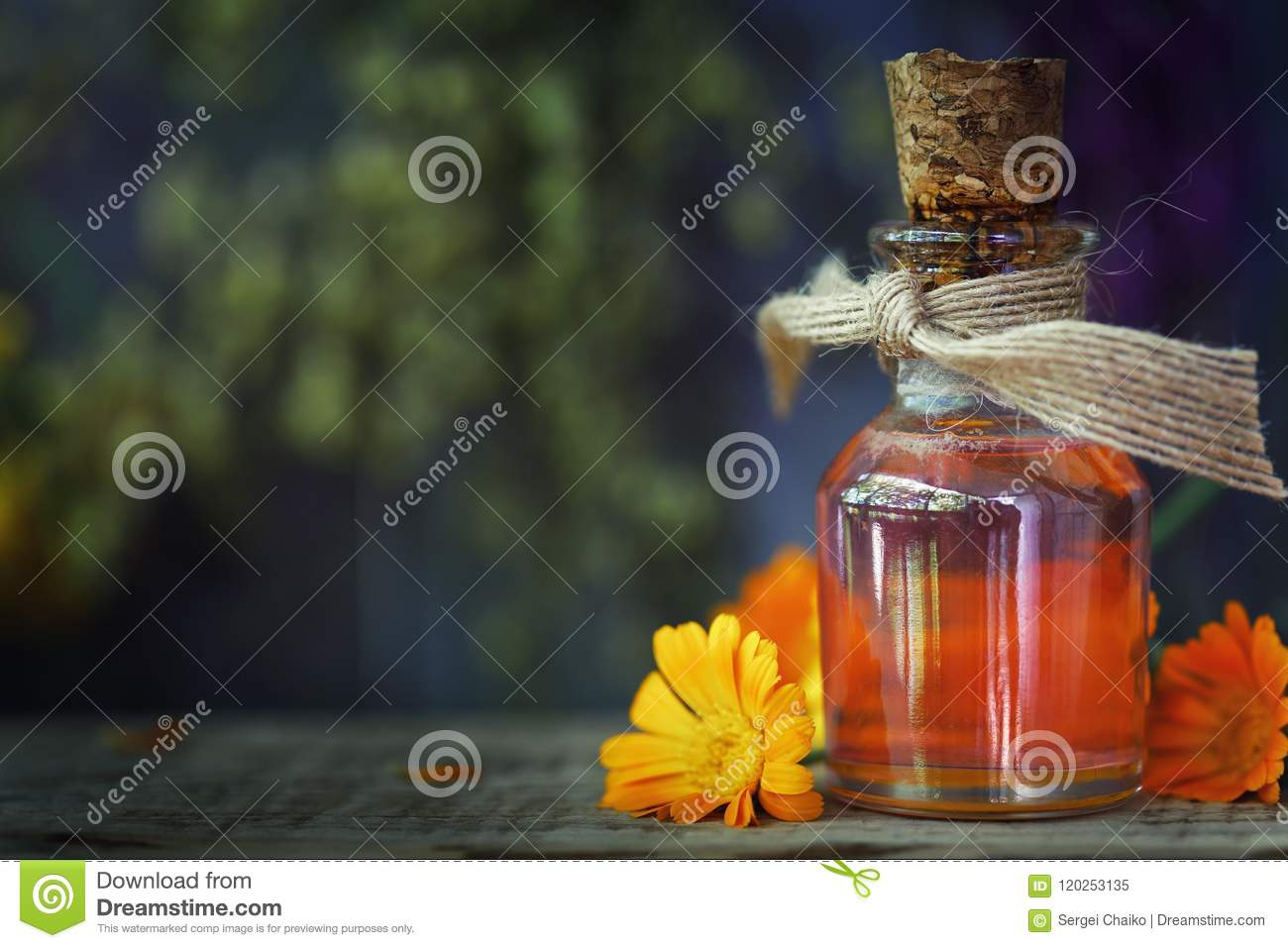 Herbal treatment: medicinal tincture from flowers of calendula
