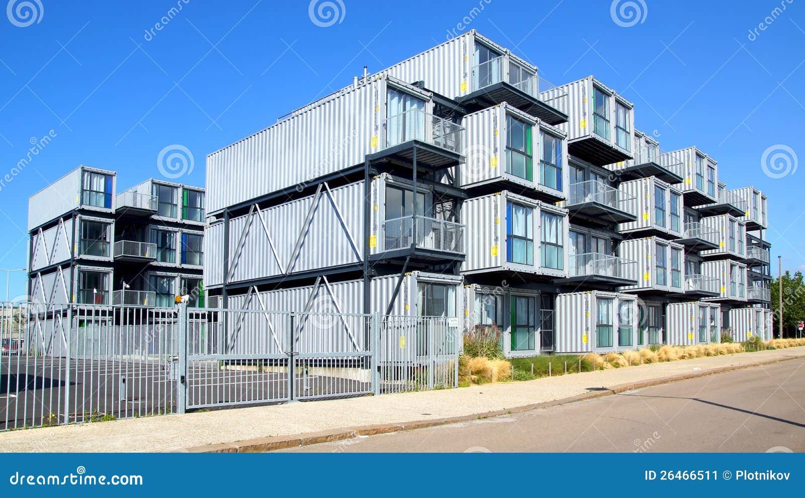 herberg voor studenten van containers redactionele foto. Black Bedroom Furniture Sets. Home Design Ideas