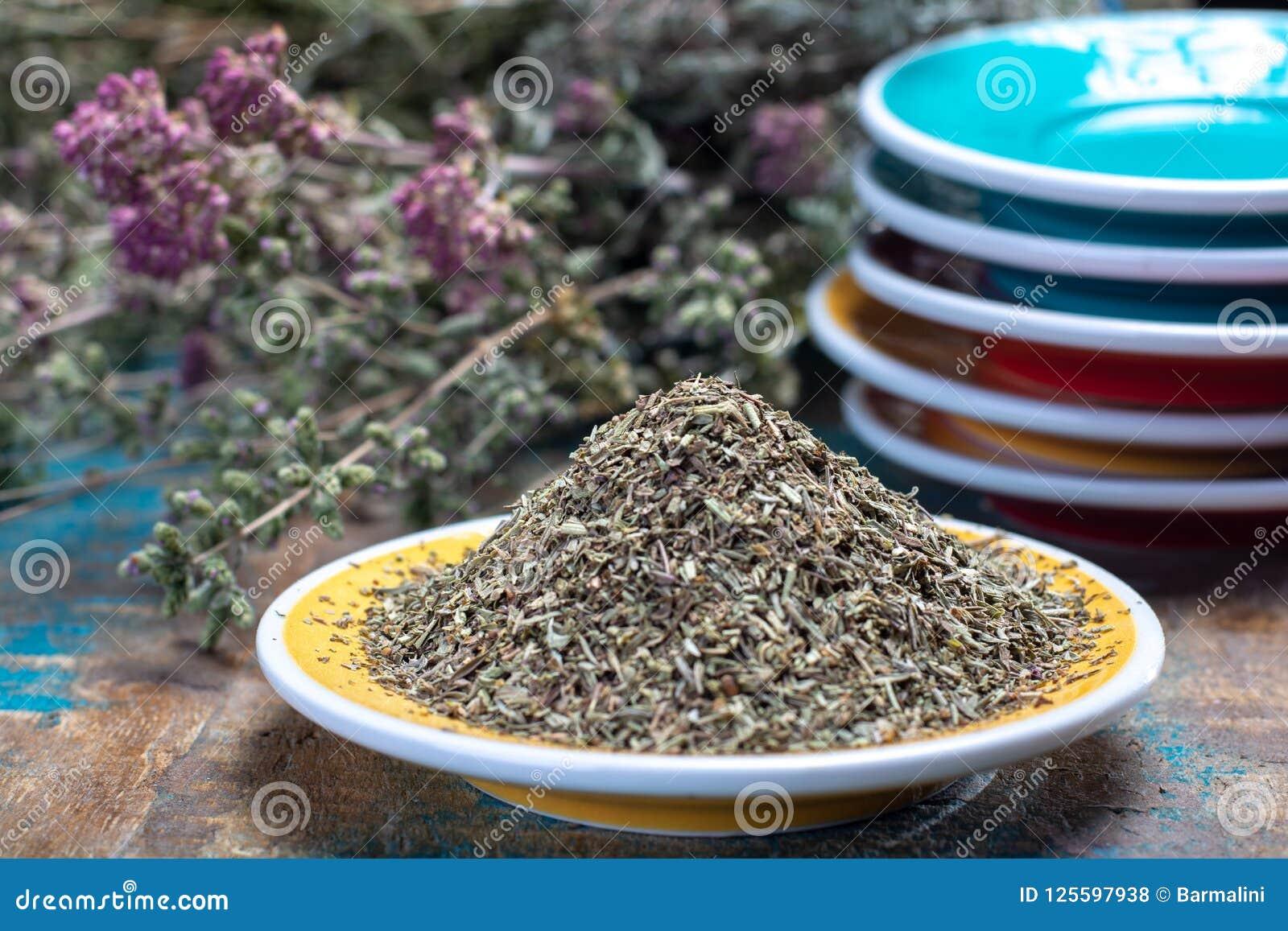 Herbes De Provence, mélange des herbes sèches a considéré typique de