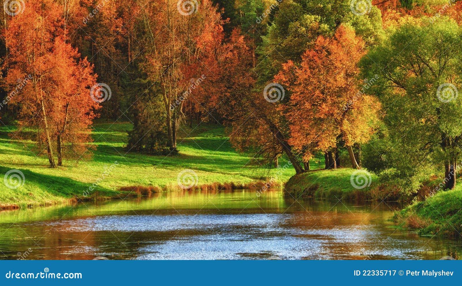 Herbst auf einem See