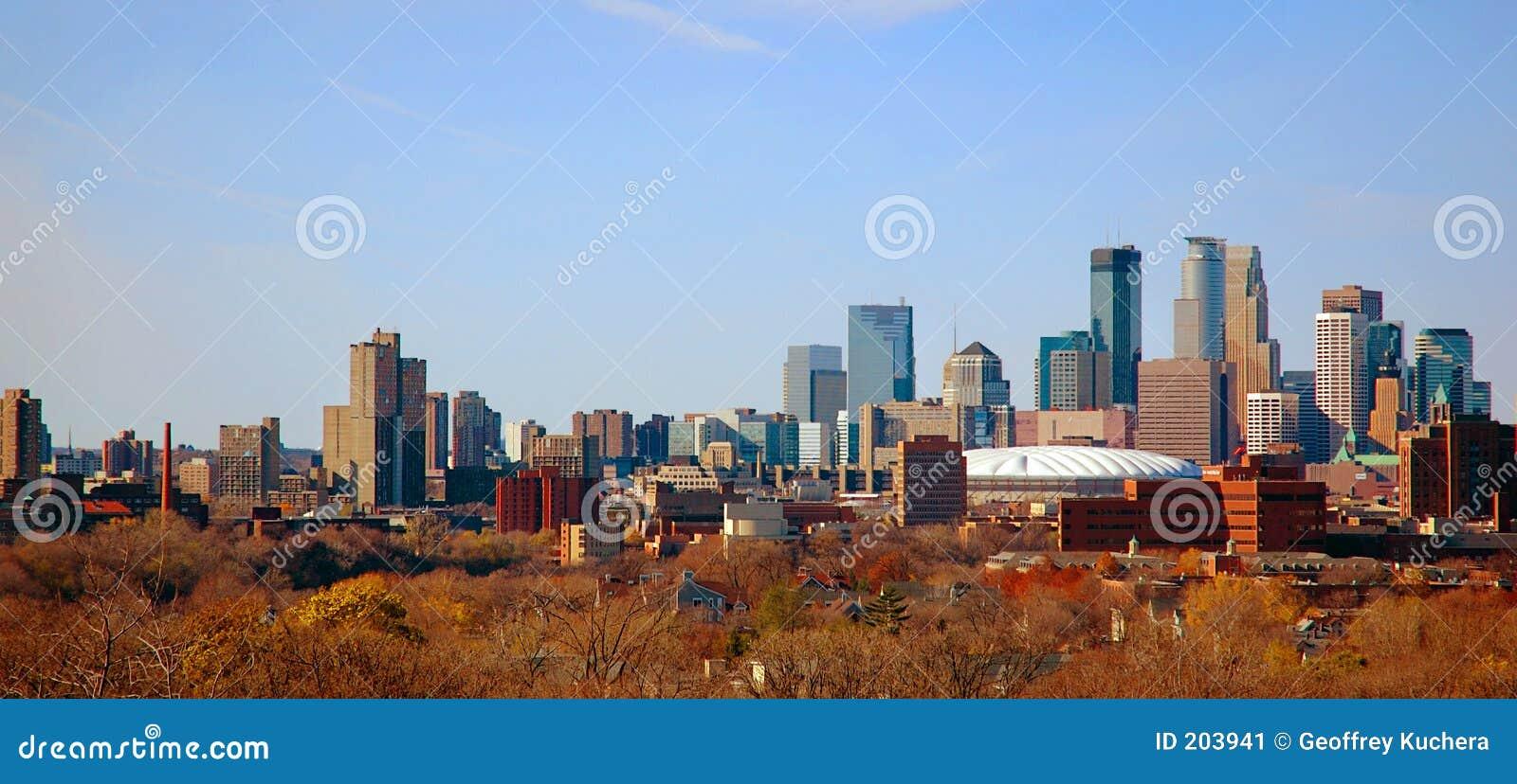 Herbst im Stadtzentrum gelegenes Minneapolis, Mangan