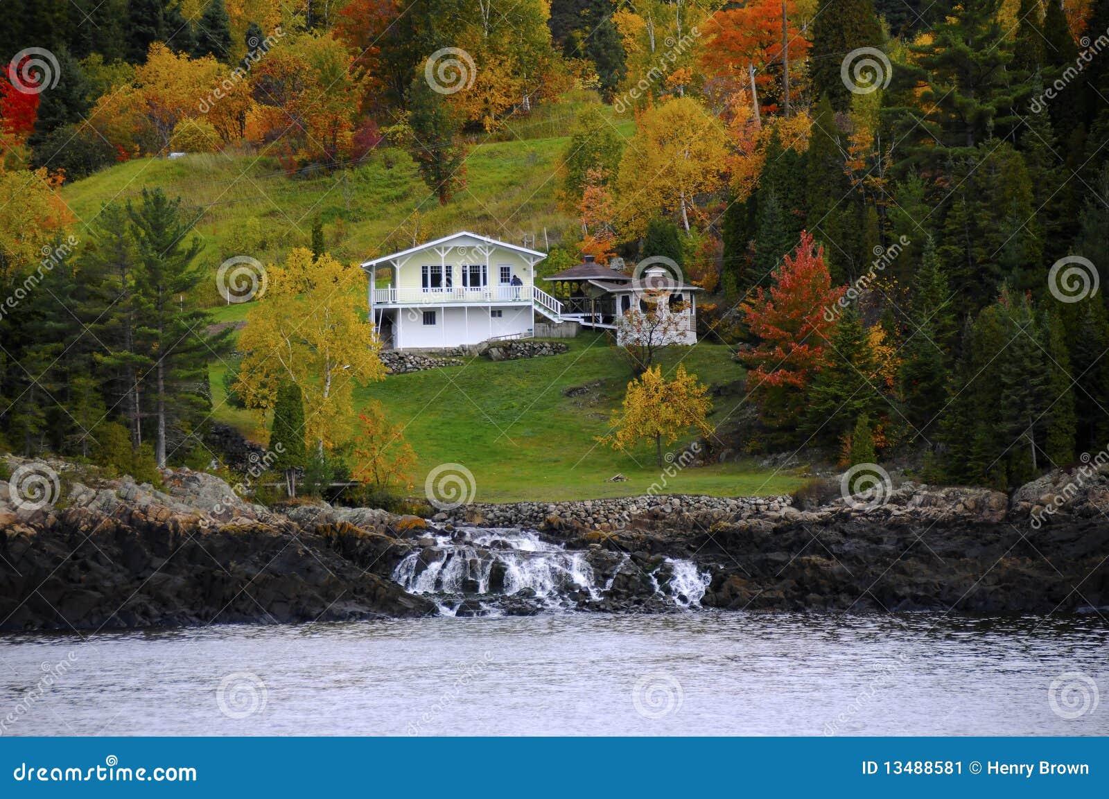 herbst in kanada stockbild bild von kanada wasser flu 13488581. Black Bedroom Furniture Sets. Home Design Ideas