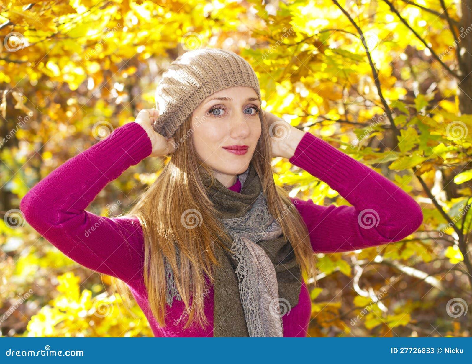 Herbstjahreszeitmädchen