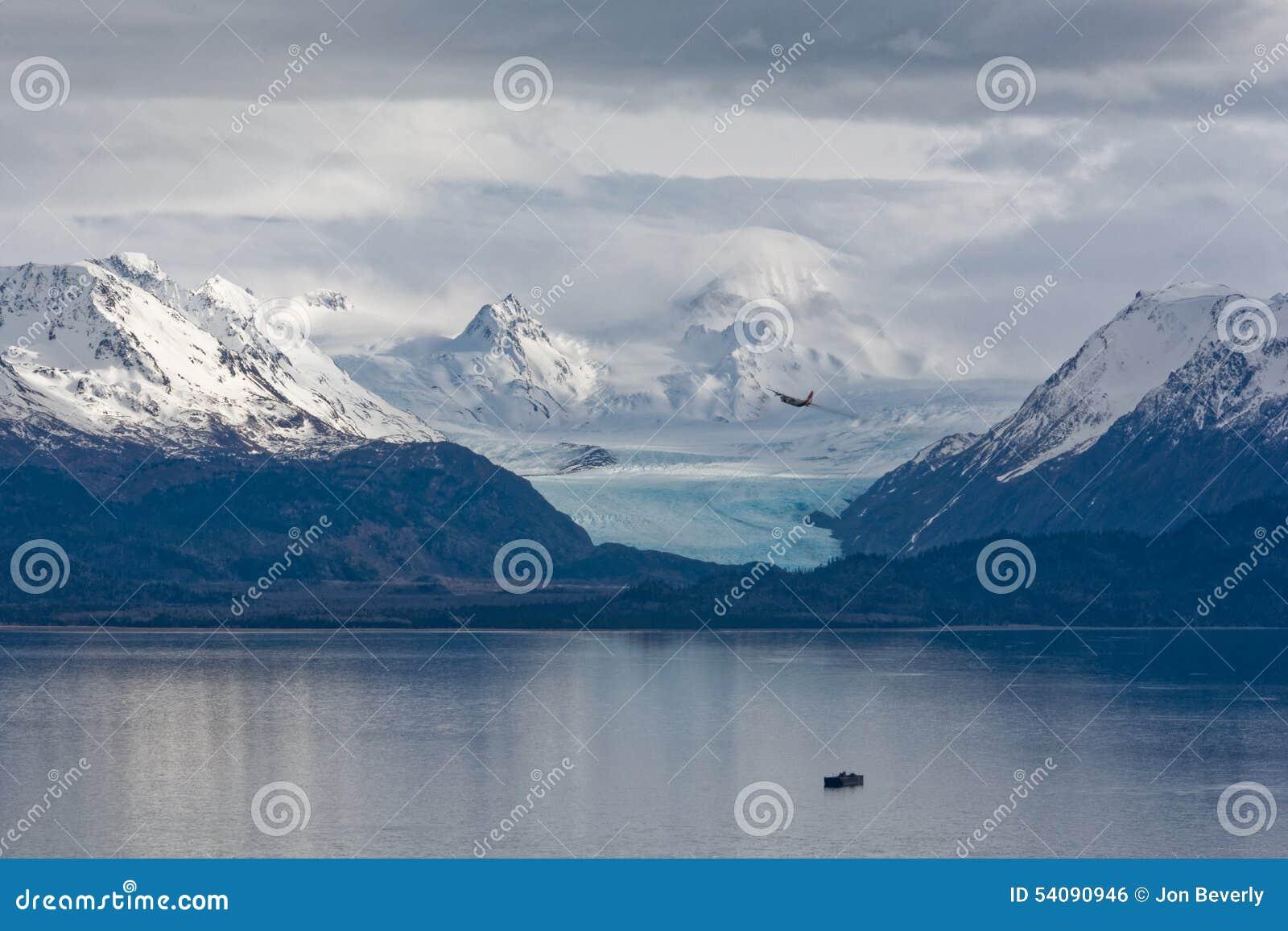 Hercules tegen Grewingk-Gletsjer