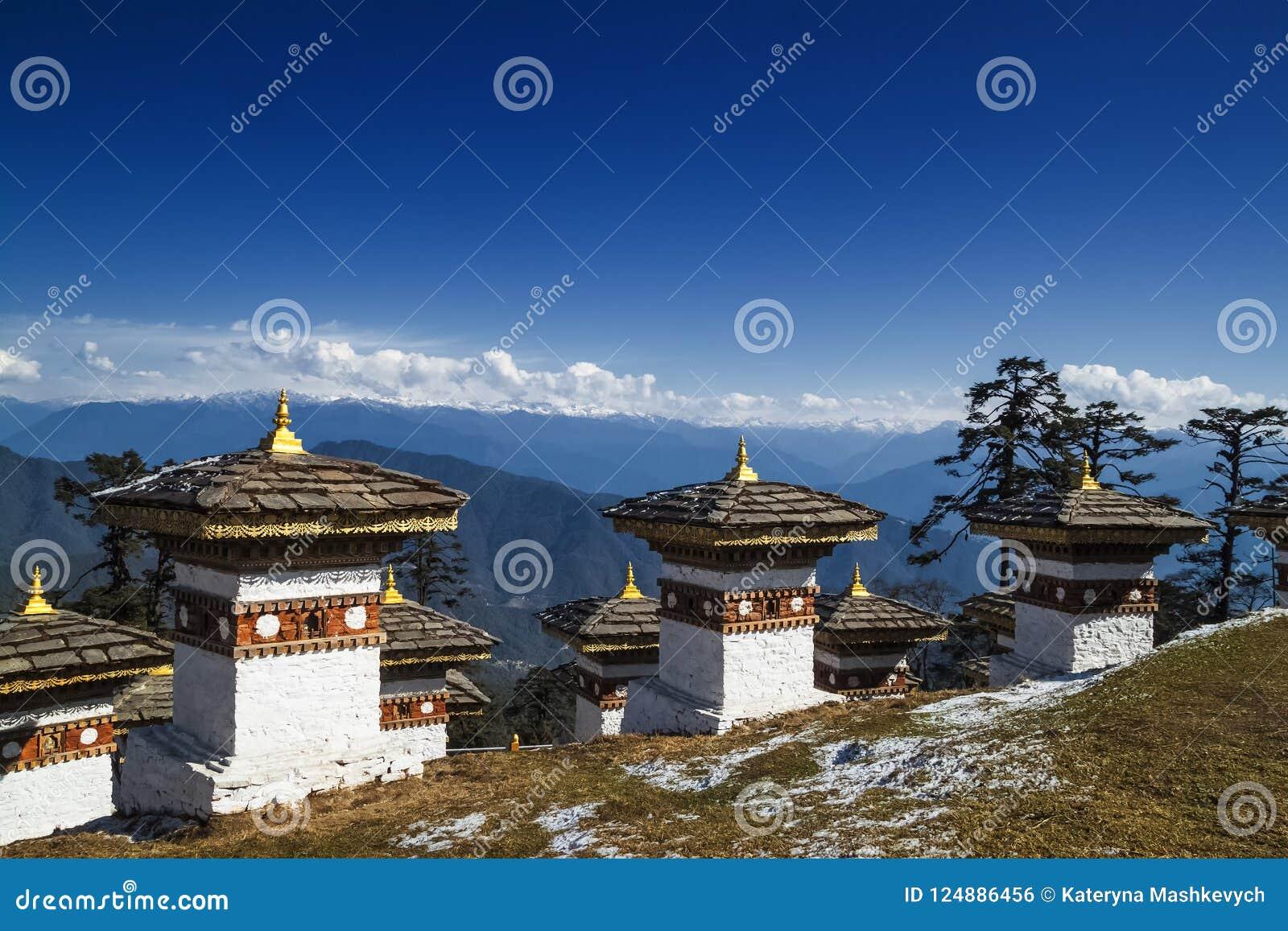 108 herdenkingschortens van Dochula-Pas in Thimphu, Bhutan